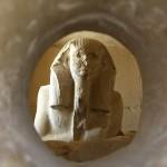Escultura del faraón Zoser en el serdab (Crédito: Wikimedia Commons)